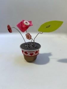 vasetti con caspule del caffè