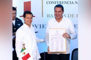 Rafa Moreno Valle fue reconocido por la Conago por su gran trabajo como Gobernador de Puebla.