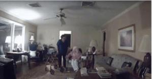 El VIDEO de una mujer que golpea a una anciana de 94 con Alzheimer sacude a EU