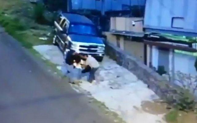 Asaltan con violencia a una mujer en Tlalpan (video)