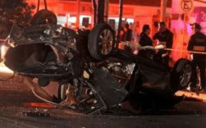 Aparatoso accidente deja dos jóvenes muertos y dos heridos