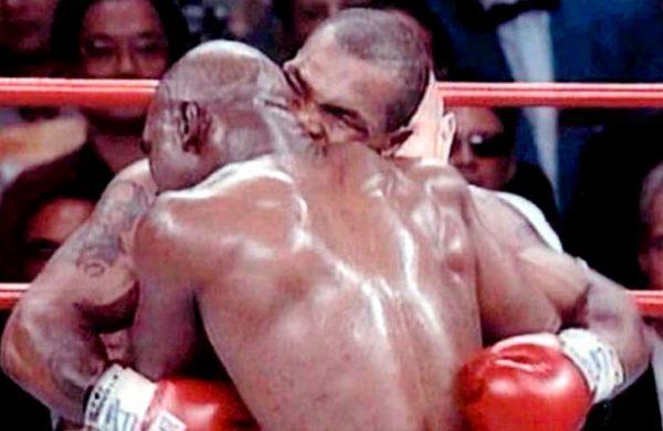 Hoy se cumplen 20 años de la mordida de Tyson (VÍDEO)
