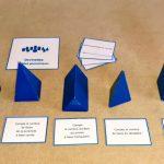 Devinettes solides bleus géométriques Montessori
