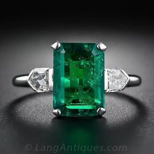 277 Carat Emerald and BulletCut Diamond Art Deco Ring