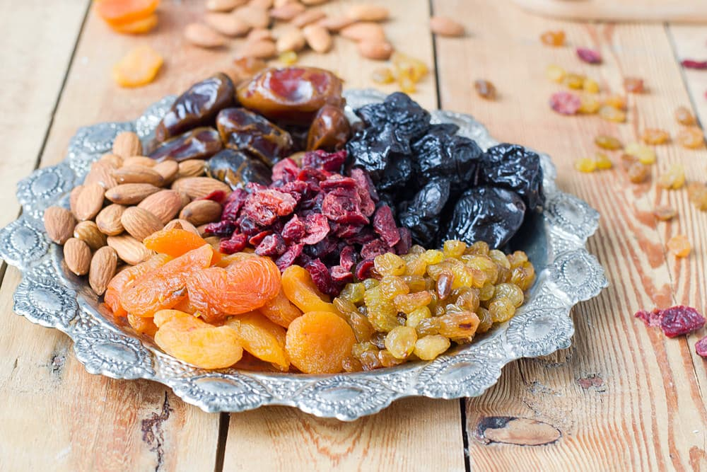 dry fruits and nuts healthy snacks