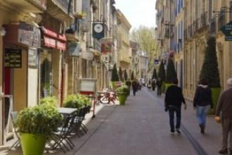 Pézenas street scene