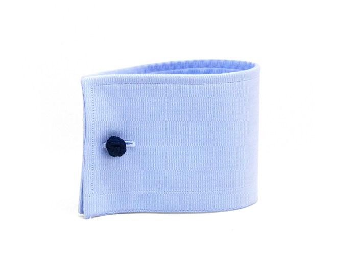 Poignet manchette carré avec boutons de manchette en tissu bleu
