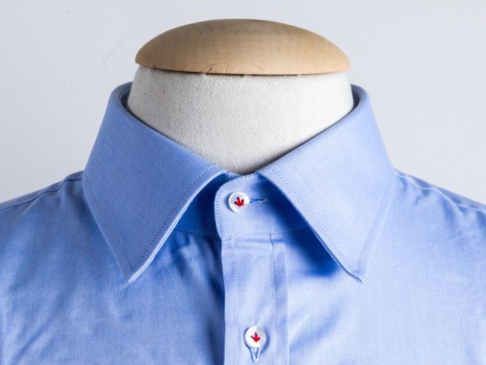 Semi spread collar shirt