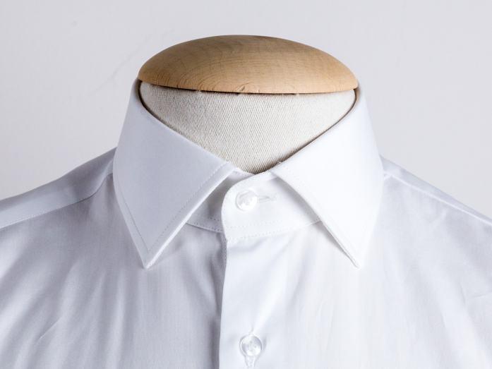 Col de chemise : le français