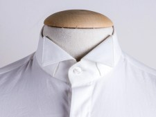 Wingtip collar shirt