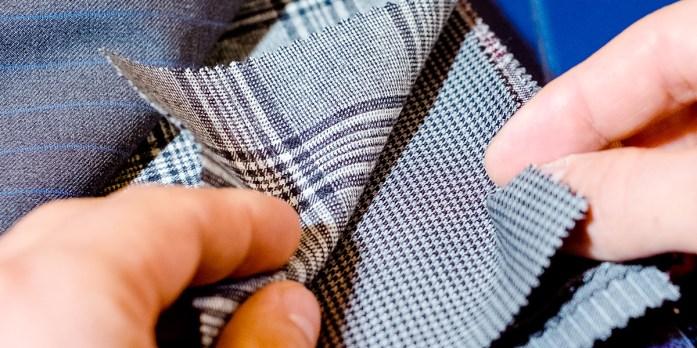 dettaglio tessuti abiti su misura uomo