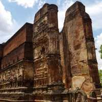 Lankathilaka Vihara - Ancient City of Polonnaruwa