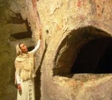 Siracusa: visite notturne alle catacombe