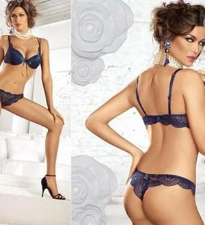 Manuela Arcuri sexy