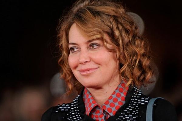 Sabina Guzzanti, Un due tre stella prima puntata