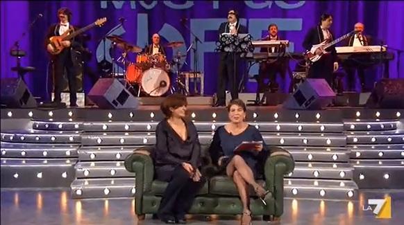Puntata del 14 aprile di The show must go off con Laura Morante
