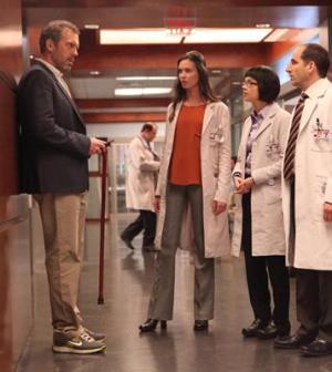 foto scena serie tv dr house 8