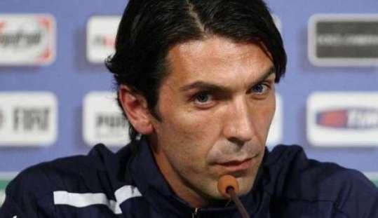 Euro 2012. Italia-Inghilterra:Buffon para rigore ma si arrabbia