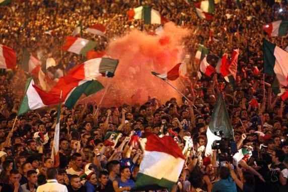 Europei 2012: in piazza per Italia Spagna