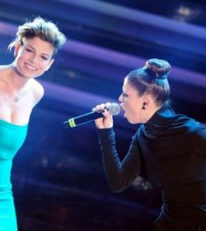 Foto di Emma e Alessandra Amoroso a Sanremo 2012