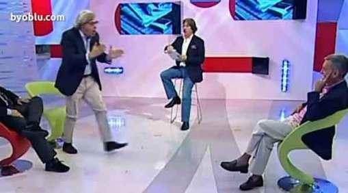 """Sgarbi show contro Barbacetto: """"finocchio"""""""