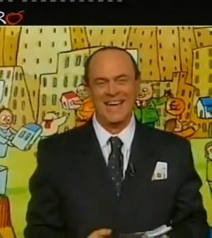 Crozza imita Berlusconi nella copertina di Ballarò