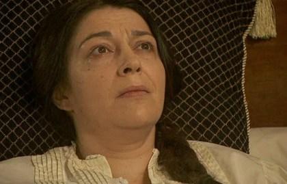 Donna Francisca è costretta ad affrontare Cristobal da sola