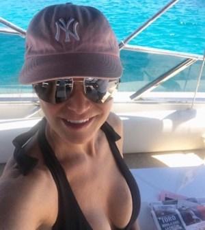 Foto Simona Ventura sullo yacht