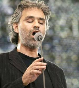 Foto Andrea Bocelli Colosseo
