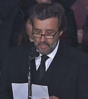 foto Flavio insinna poesia fabrizio frizzi funerale