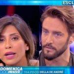 """Mila Suarez a Domenica Live. Alex Belli: """"Hai buttato me**a…"""""""