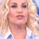 """Zecchino d'oro, Antonella Clerici ha un problema in diretta: """"Scusate"""""""