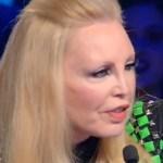 """Il cantante mascherato, Patty Pravo si lascia sfuggire: """"Mostro è…"""""""