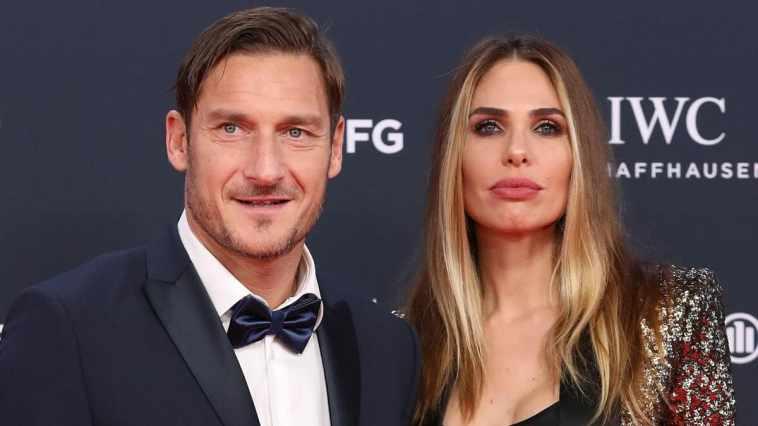 """Ilary Blasi prende in giro Francesco Totti: """"Si è cag**o sotto"""", il motivo"""