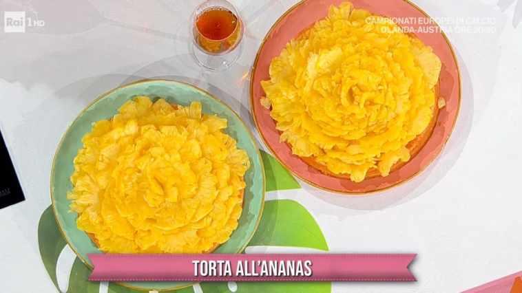È sempre mezzogiorno dolce: torta all'ananas di Natalia Cattelani