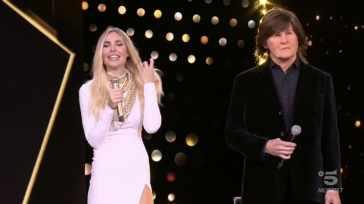 """Star in the star, Ilary Blasi dubbiosa su Paul McCartney: """"Non so se ce la fa"""""""
