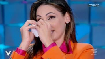 """Anna Tatangelo sulla paternità di Gigi D'Alessio: """"L'ho saputo dai giornali"""""""