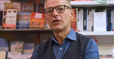 """Libri, """"Quando cavalcavo i mammut"""": i cinquantenni di oggi secondo Paolo Romano"""