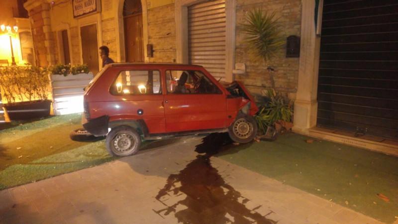 Furti di piccole auto, 17 arresti tra Roma e Napoli