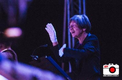 Coro gestuale Manos Blancas del Friuli e Coro Voci Bianche Artemìa a Barcolana49 © Fabrizio Caperchi Photography / La Nouvelle Vague Magazine