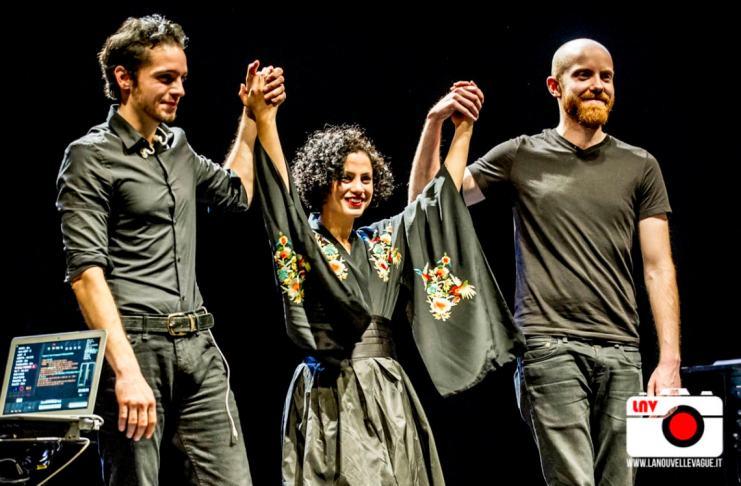 Emel Mathlouthi al Teatro Miela, Trieste © Fabrizio Caperchi Photography / La Nouvelle Vague Magazine 2018