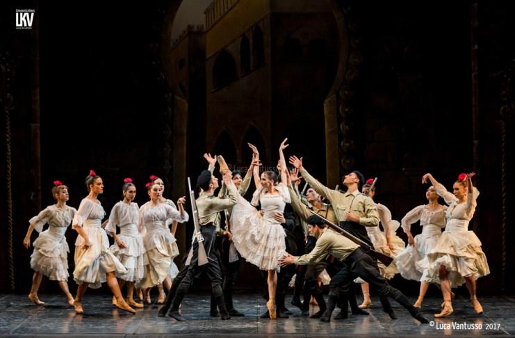 Carmen del Balletto del Sud, raccontata dalle immagini di Luca Vantusso