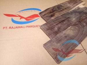 Lantai Parquet kayu Sonokeling