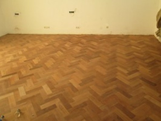 lantai kayu herringbone 3