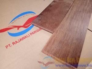 lantai kayu merbau