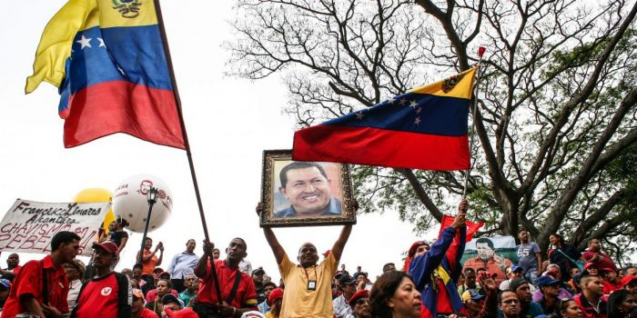 «Maduro chiude il Parlamento». La guerra mediatica contro il Venezuela prosegue