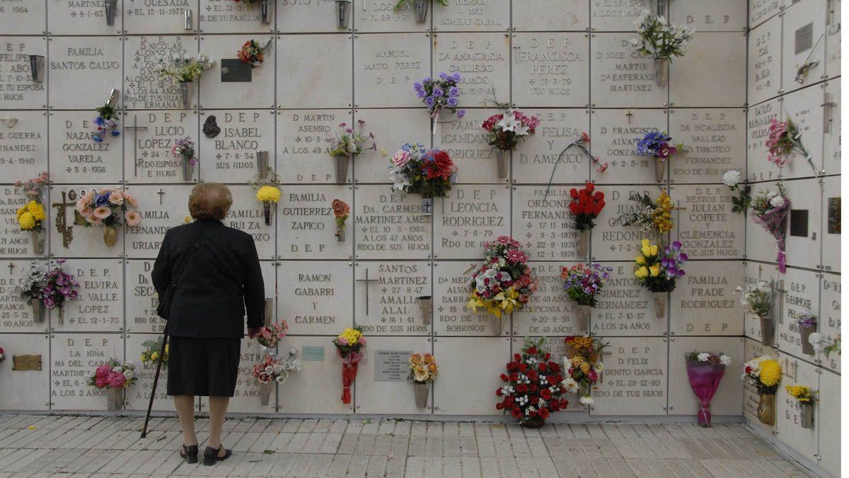 Serfunle gestiona el tanatorio, el crematorio y el cementerio de León, que está en Puente Castro. | MAURICIO PEÑA