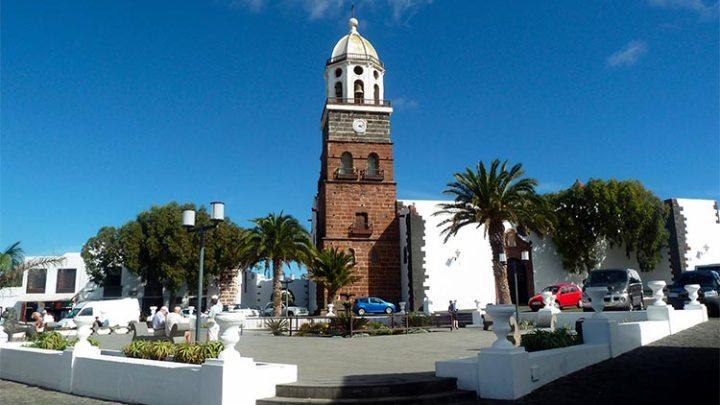Teguise Market from Puerto del Carmen