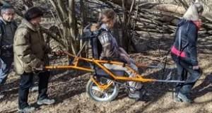 joelette nel bosco valli di Lanzo