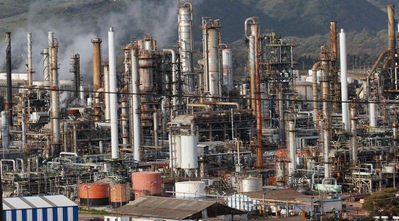 Alcalde de Concón emplazó a  gerente de ENAP por episodios de contaminación